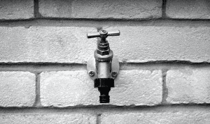 Keys to Preventing Freezing Pipe Bursts